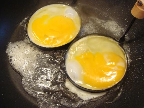 Eggs in egg rings